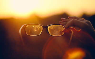 Put an End to Streaks: How to Clean Your Glasses